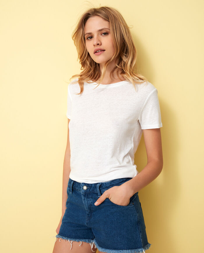 Short-sleeved open back t-shirt with v-neck White Elisa