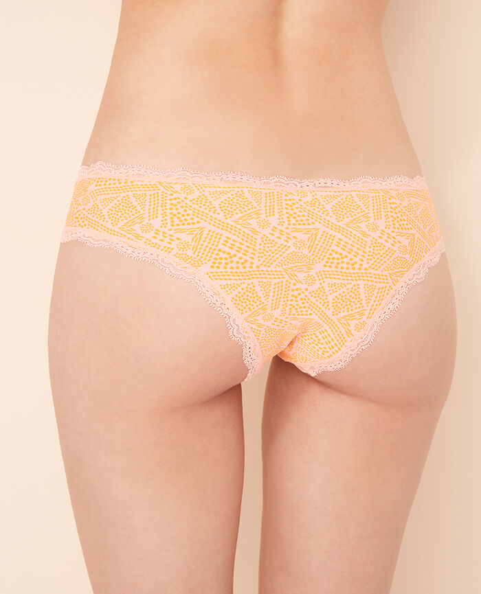 Brazilian briefs Ethnic pink Take away